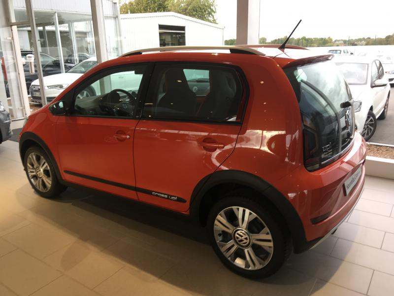 VOLKSWAGEN Cross UP 1.0 75 ch