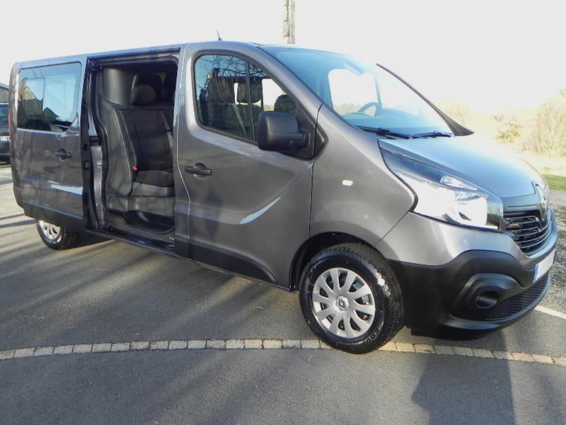 RENAULT Trafic Double Cabine 6 places DCI 145