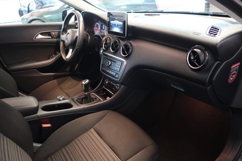 MERCEDES A 180 INTUITION
